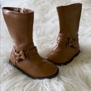 Children's Place camel colored boots size 5.